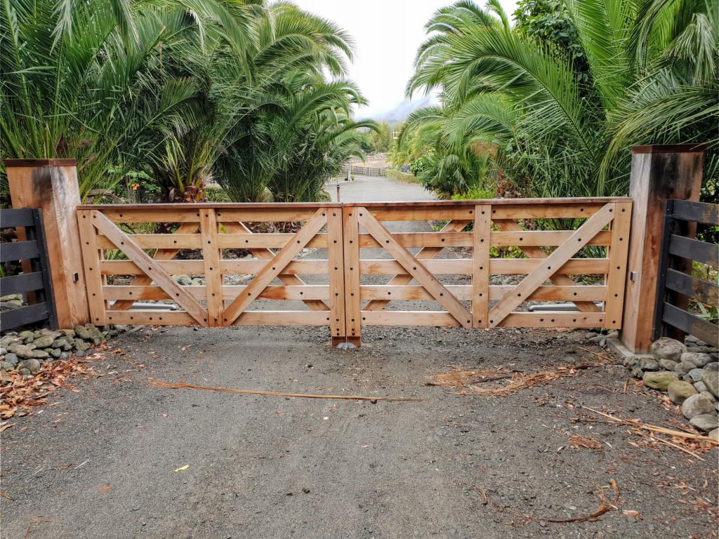 wooden-gate.jpg