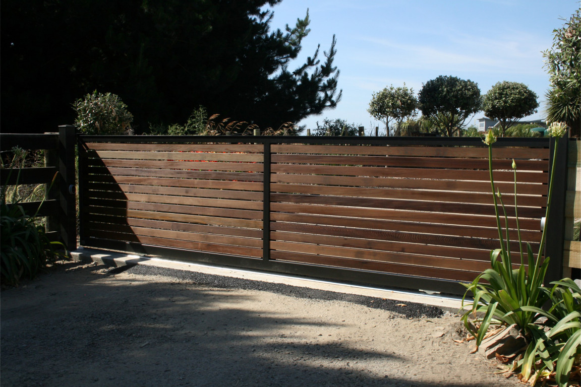 wooden-steel-gate.jpg