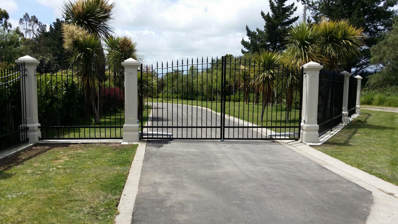 pillar-gate.jpg